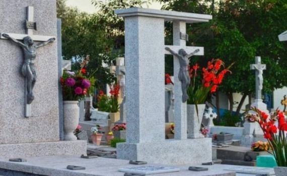 Por primera vez no habrá misas en cementerios debido a la pandemia