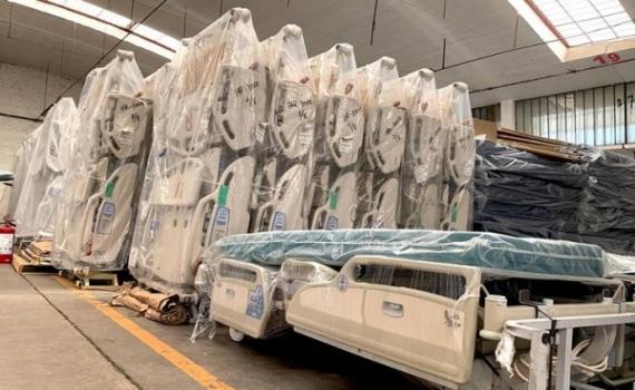 Llegan a BCS 79 camas hospitalarias y 19 más para terapia intensiva