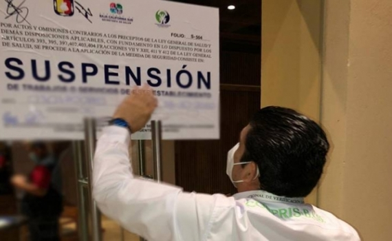 Multa Coepris al hotel que realizó una fiesta en La Paz con 350,000 pesos